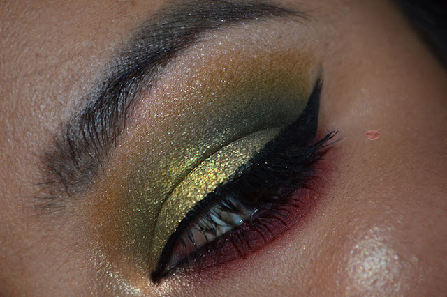 A picture of a makeup using On The Rocks Nudes on Ice palette by W7