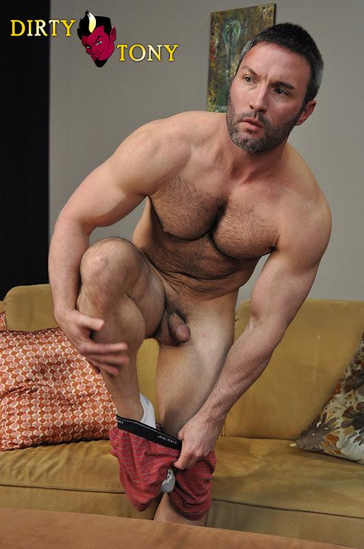 Damon bareback in couch hot anal fucking 7