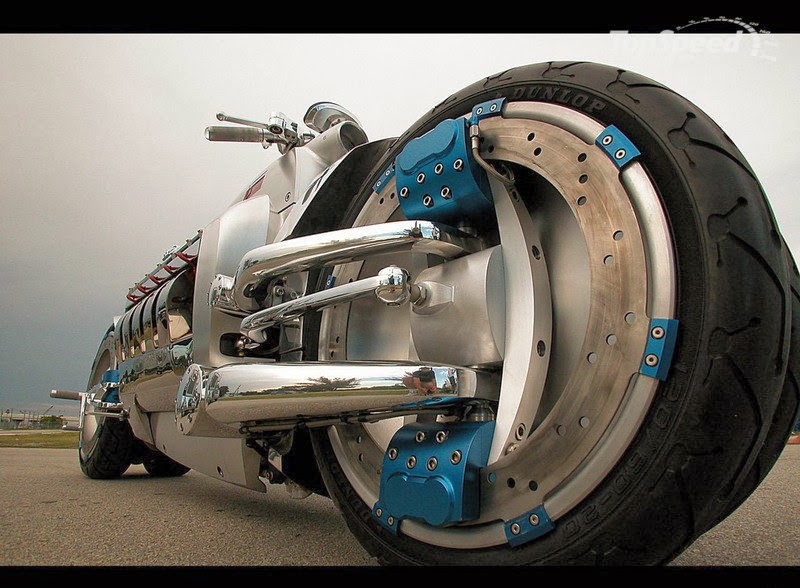 c435c1b4042 The Viper-powered Dodge Tomahawk concept vehicle shatters all the barriers  of conventional