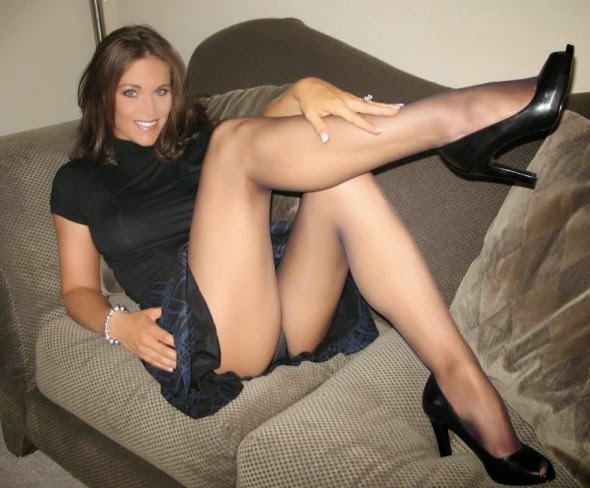 Milfs Women In Sexy Pantyhose 80