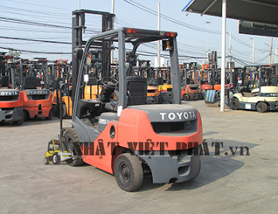 Toyota diesel 62-8FD25 Forklift chạy dầu diesel