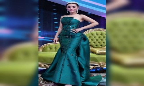 Artis Cantik Indonesia Ini Bikin Melotot