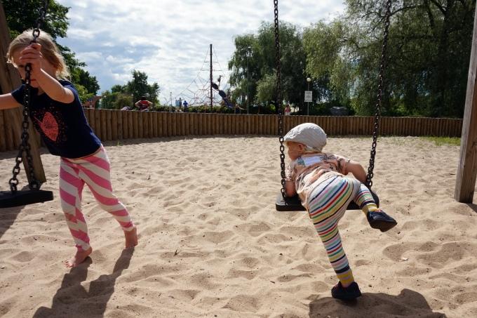 Leikkipuistossa lasten kanssa Tallinnassa / Stroomi kokemuksia