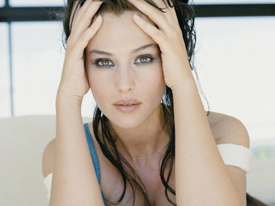 Monica Bellucci Normal Resolution HD Wallpaper 3