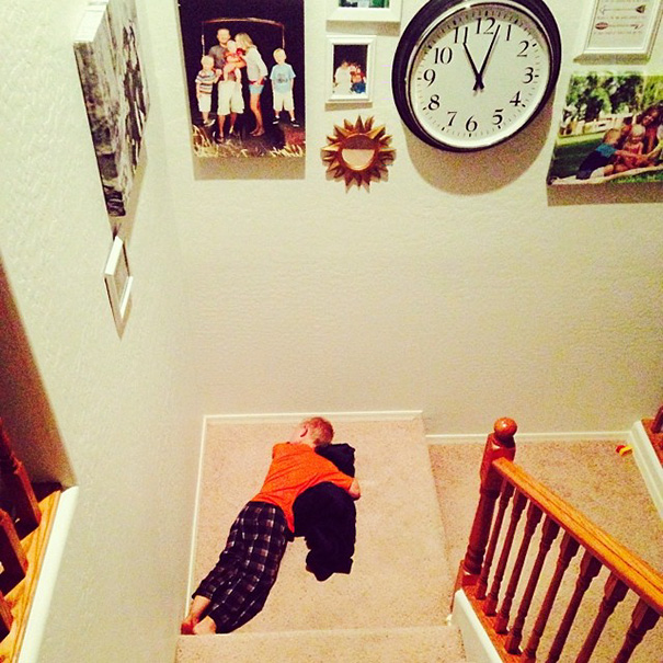 15+ Hilarious Pics That Prove Kids Can Sleep Anywhere - I'm Heading Off To Bed And Find This