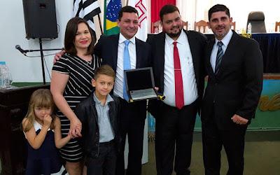 Câmara de Cananéia homenageou presidente do CODIVAR Marco Aurélio