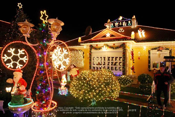 Navidad feliz navidad decorar el exterior de nuestra casa for Decoracion navidena para exteriores