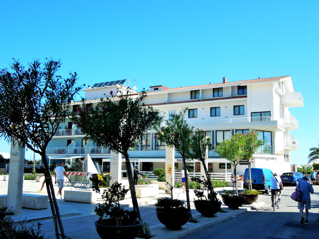 Hotel, piante, alberi, cielo, sole,
