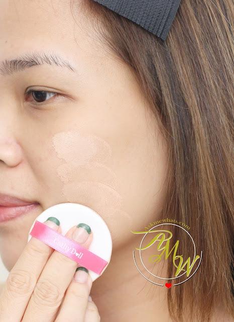 a photo on how to apply Cathy Doll AA Automatic Aura Cushion