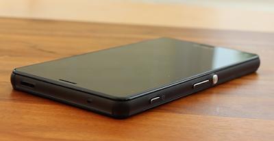 Z3 Compact cần thay mặt kính