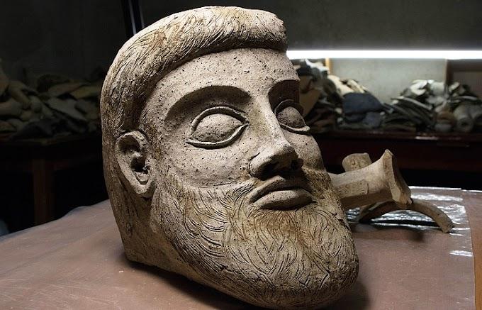 Κεφάλι από μεγάλο μοναδικό  ελληνικό πήλινο άγαλμα βρέθηκε στην Κριμαία (Ταυρική)