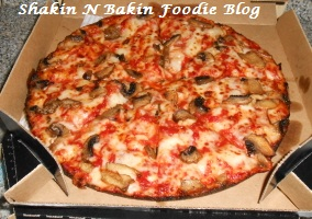 handmade pan pizza from dominos shakin bakin foodie domino s new handmade pan 3785
