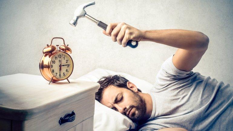 Resultado de imagen de ponerse el despertador