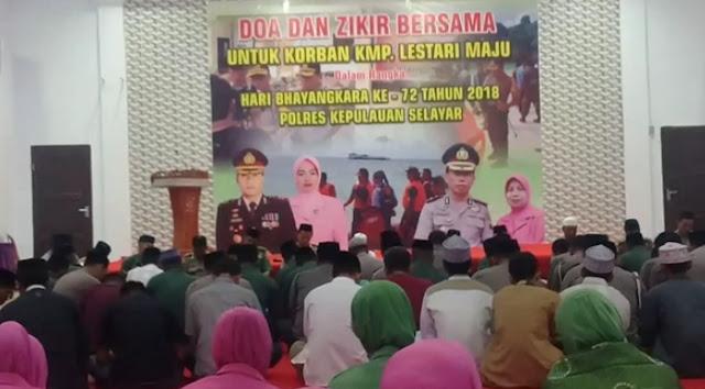 Personil Polres Kep. Selayar Dan Anggota TNI Kodim 1415, Doakan Korban KM. Lestari Maju