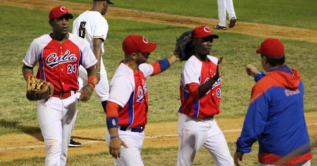 Debido a la negativa de Cuba de conformar para el Clásico un equipo unificado, los 50 peloteros saldrán inevitablemente de los 16 equipos de la Serie Nacional