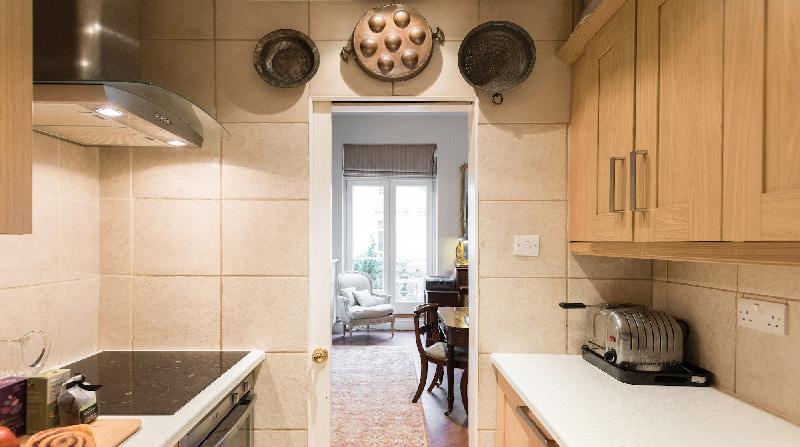Dormire nelle case più belle di Londra: Victorian Garden cucina