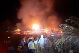 Damkar dan Satpol PP Blora Padamkan 7 Rumah Terbakar di Sambonganyar
