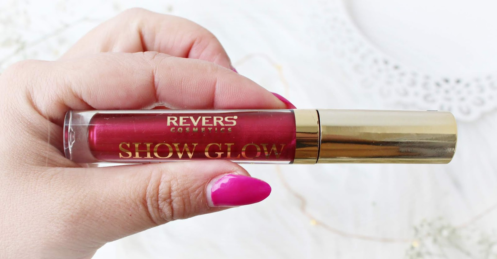 Lakier do ust SHOW GLOW od REVERS Cosmetics