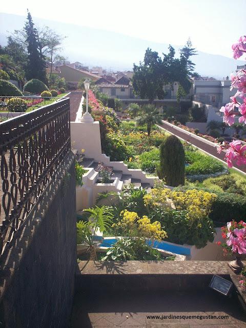 Terrazas en el Jardín del Marquesado de la Quinta Roja en la Orotava.