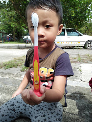 Memberus Gigi Dengan Watak Robocar Poli, 6 Ciri Istimewa Berus Gigi Robocar Poli, berus gigi terbaik, Berus gigi lembut, Berus gigi Kanak-kanak