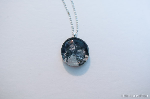 Front of personalized glass bead pendant