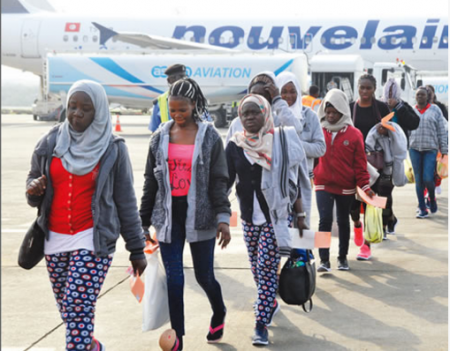 270 nigerians stranded libya return home