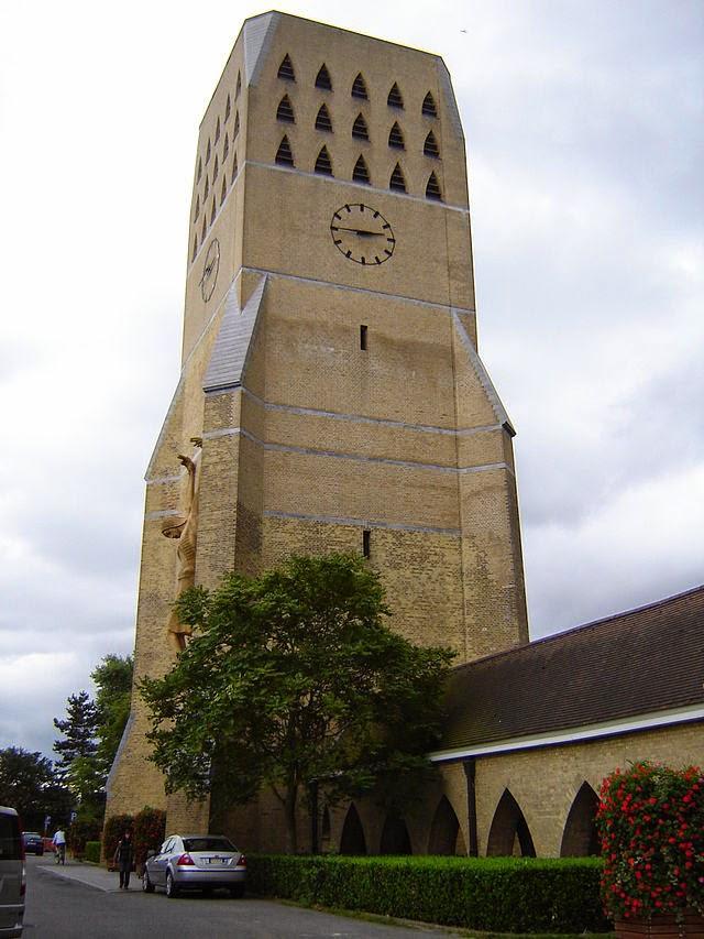 10 Best Places to Holiday in Belgium (100+ Photos) | Sint-Niklaaskerk in Oostduinkerke