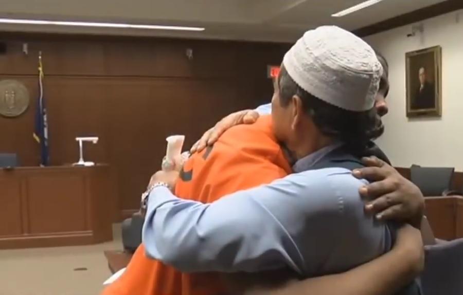 Muslim Amerika ini maafkan pembunuh anaknya