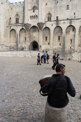 Главная достопримечательность Авиньона - средневековый папский дворец