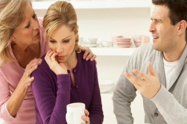 Kalau Memang Anda Istri yang Baik Harusnya Tidak Melakukan 5 Hal Ini