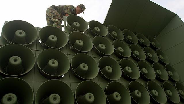 Tambores de guerra psicológica: Seúl estudia 'bombardear' con música pop a Corea del Norte