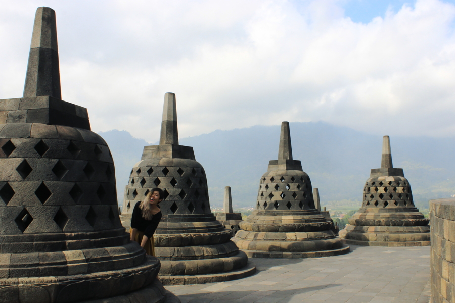 Thepengyo the ultimate yogyakarta guide what to eat see and do seemingly walking among the clouds in borobudur yogyakarta stopboris Images