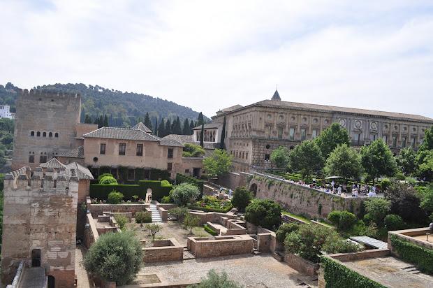 London Cosmopolitan Alhambra & Granada Spain