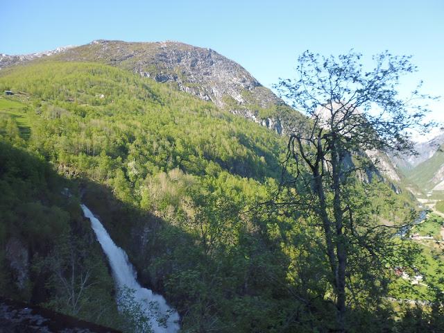 Cascada Sivlefossen (@mibaulviajero)