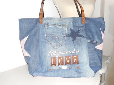 https://www.alittlemarket.com/sacs-a-main/fr_grand_sac_cabas_all_you_need_is_love_2_jeans_simili_cuir_coton_marron_rose_broderie_machine_-17527880.html