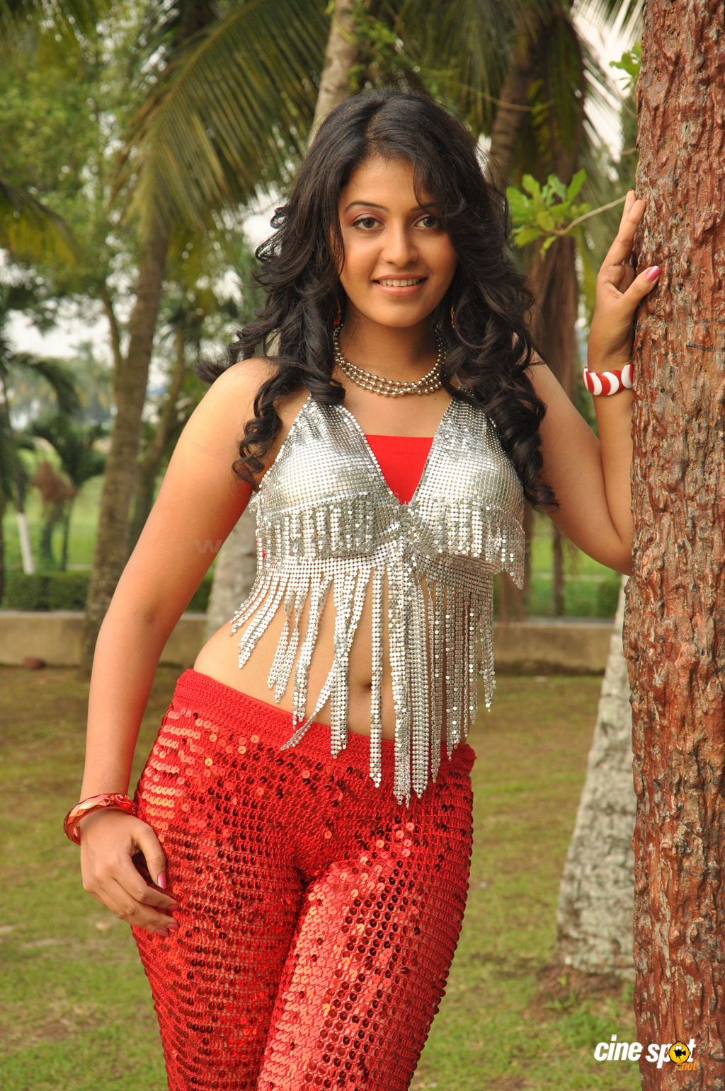 Indian Cinema Actress Anjali Hot Curvy Figure Enjoyed And -8423