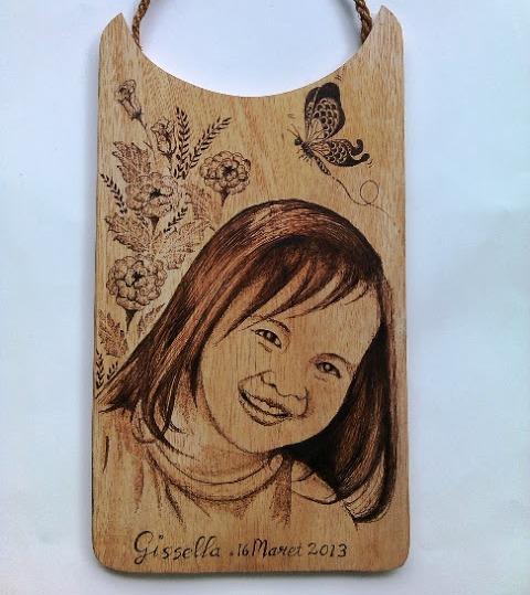Pirografi HBD Gift untuk si Cantik Gissella