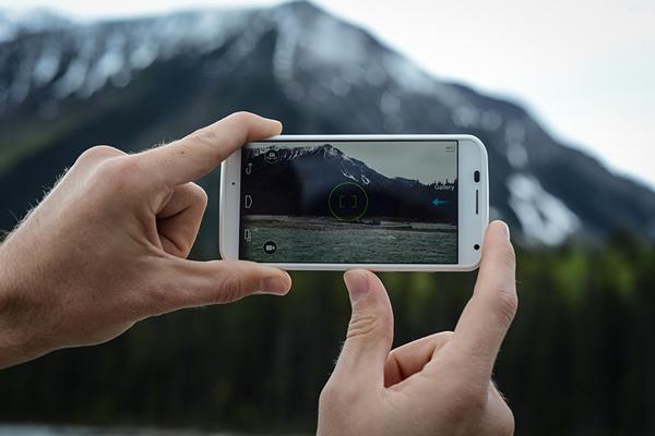حول كاميرا هاتفك الذكي إلى كاميرا بإعدادات متقدمة و إلتقط صور رائعة كمحترفي التصوير الفوتوغرافي !