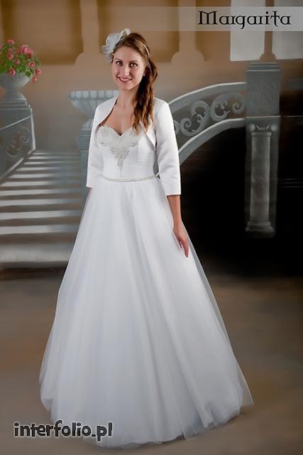 modelka suknia ślubna