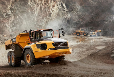 Volvo apresenta o maior caminhão articulado do mundo