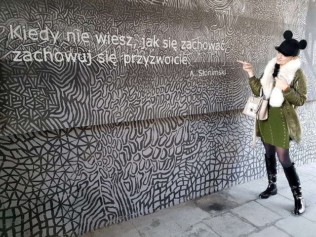 Wrocław - Wroclove - jarmark bożonarodzeniowy we Wrocławiu - mural na ulicy Roosevelta - Ostrów Tumski - 10 rzeczy za które kocham Wrocław - Zaful - styl militarny - czapka H&M z uszami