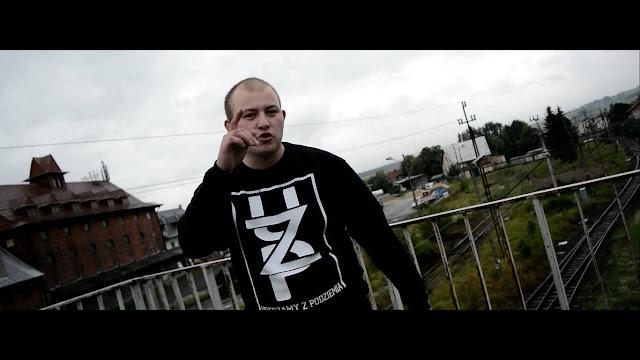 mężczyzna, rap, rewolucja, widok, bluza, napis, czarne