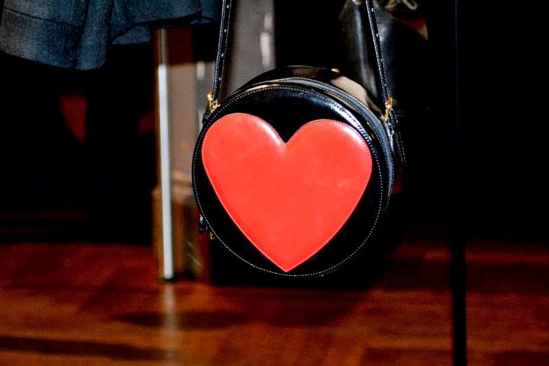 heart  bag moschino love disaronno