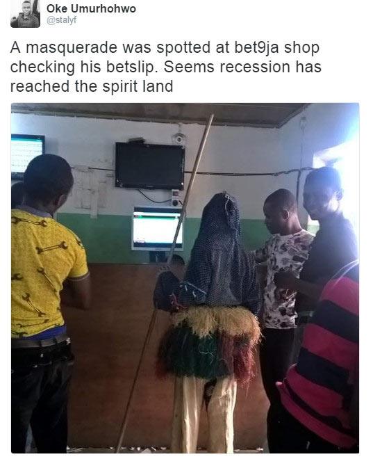"""Masqurade seen """"checking his game"""" at Bet9ja shop"""