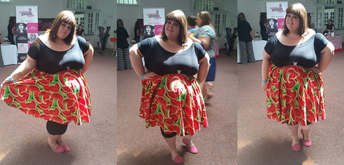 6f8be8210b263 ... plain black Bardot top from ASOS which I think went well with it. The  length of the skirt meant it was perfect to wear either with or without  leggings!