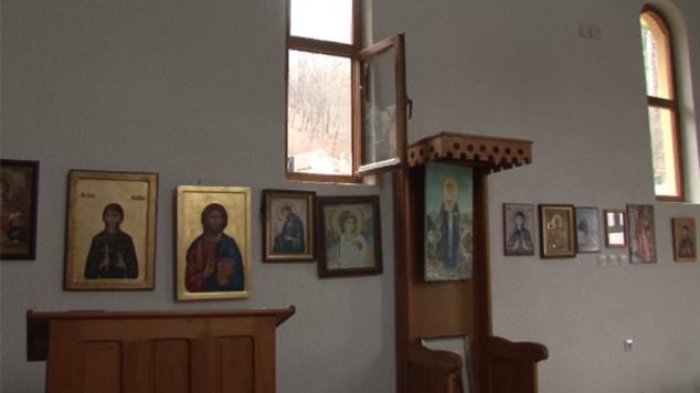 #Kosovo #Metohija #Crkva #Obijena #Grnčar