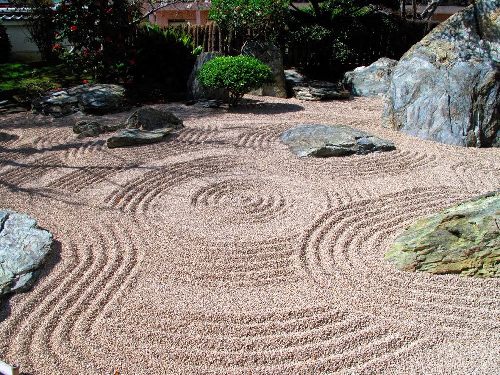 yusuke japan blog clam and peaceful japanese rock garden the heart of zen. Black Bedroom Furniture Sets. Home Design Ideas
