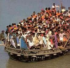 flüchtlinge über bord geworfen