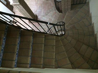 escalera de ladrillo rústico de medida especial