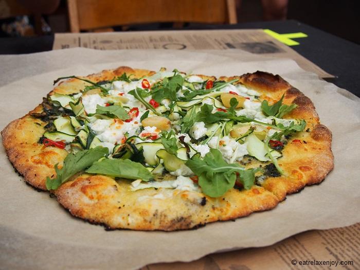 הגלוטריה – פופאפ נטול גלוטן בשוק הפשפשים - פיצה